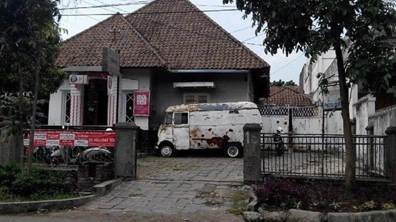 Kisah Seram Rumah Ambulance Bandung, Punya 3 Sosok Menyeramkan!