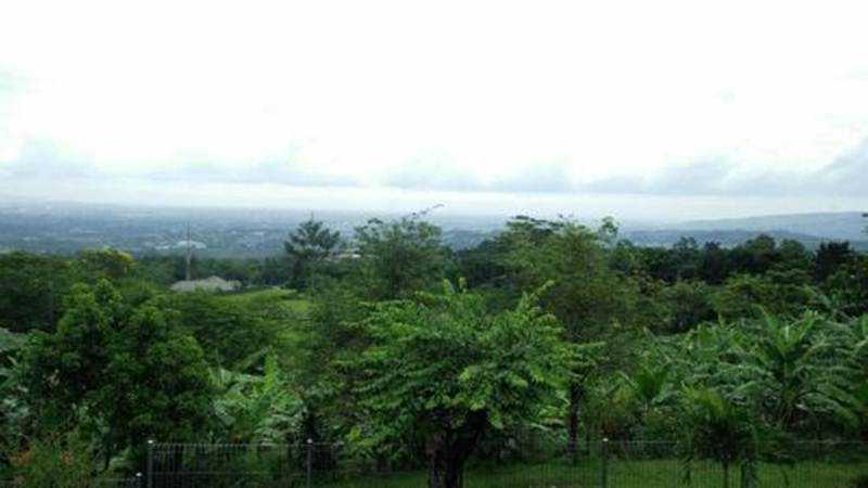 Bukit Angker Pulau Jawa